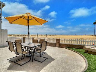 Beachfront Beauty on the Balboa Peninsula Boardwalk With 2 Parking Spots