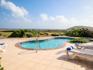 Caribbean Casas: Idyllic Villa Vivian for 4 guests, with private pool and heated
