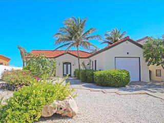 2 bedroom villa with pool and jacuzzi Tierra del Sol
