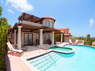 Villa Flamboyant with pool tierra del sol, Noord