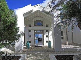 5 bedroom villa with private boat dock, Marigot