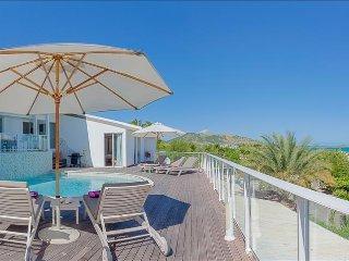 3 bedroom villa with sweeping sunrise views over the ocean, Marigot