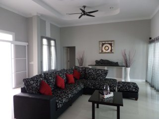 Bang saray luxury 4 bedroom pool villa thailand