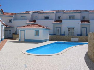 Stunning 4bed Townhouse with Pool in Espartal, Aljezur