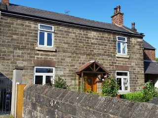 Character stone cottage in historic river quarter, Belper