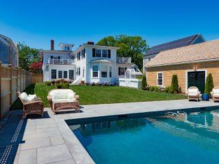 CARLP - Distinctive Luxury All New For Summer 2016, Heated Pool 16 x 32,  Village Center 3 Minute Walk to Main St., Edgartown
