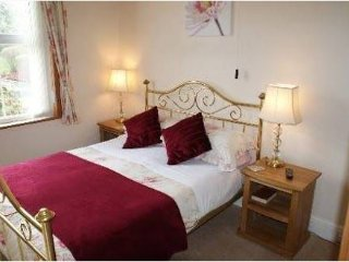 Brook House Double En Suite Room 1, Broadway