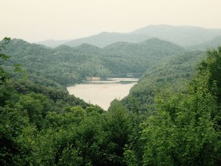 Morning View Over Lake Fontana- Three Bedroom Upscale Rental With Breathtaking View, Bryson City