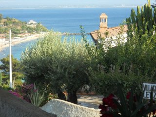 CALABRIA CAPO VATICANO SEA...HOLIDAY HOUSE RENT