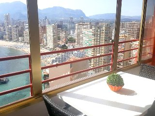 Superb Apartment close to beach & Free WIFI, Benidorm