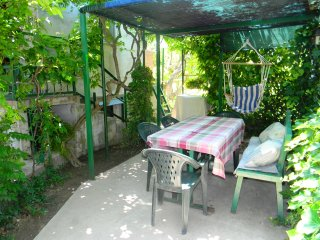 Comfortable apartment with GARDEN and BBQ, Split
