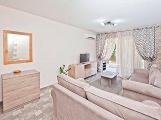 Faros Court Prestige Apartment, Paphos