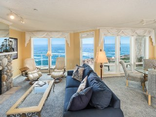 Newly Updated 3 bedroom gorgeous oceanfont end unit with whales at your door!