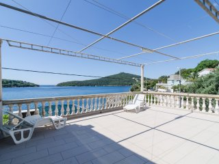House Rašica - Two Bedroom Apartment with Terrace and Sea view