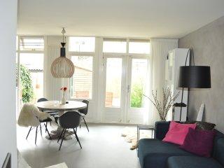Unieke Amsterdam appartement met tuin, Amsterdã
