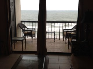 Crescent Towers 1 Ocean Front Condo N Myrtle Beach, North Myrtle Beach