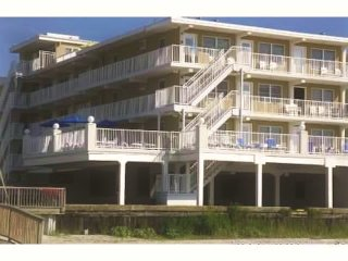 Beautiful Ocean front Building Summer Sands  404