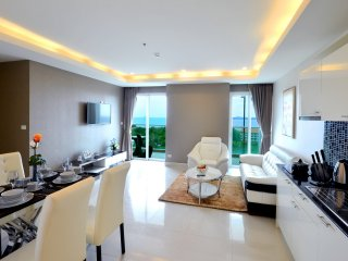 5 Star Luxury 7th Floor Condo Close To The Beach, Pattaya