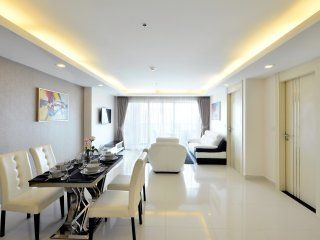 5 Star Luxury 18th Floor Condo Close To The Beach, Pattaya