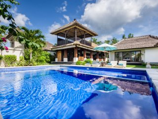★PROMO★ Spacious Family Villa - 7min walking beach, Jimbaran