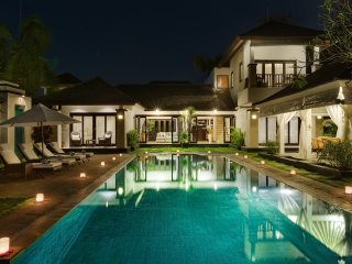 Luxury 2, 3 Bedroom Waterfront Villa, Nusa Dua;