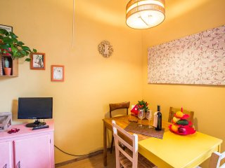 Colorful 1 Bedroom Apartment in Florence