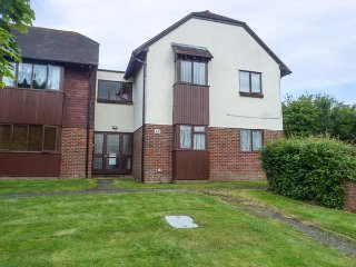 8 WOODSMILL CLOSE, first floor apartment, close to amenities, allocated parking, in Henfield, Ref 934497