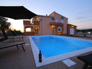 Villa Andrea mit privatem Pool in Debeljak, Sukosan