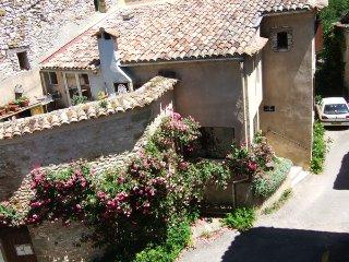La Cocoune - gîte de séjour en Luberon., Oppedette