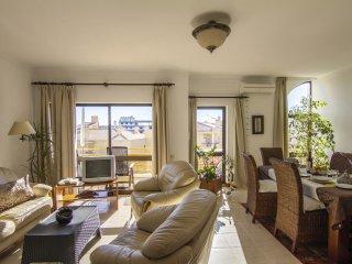 Apartamento  a 300 metros da Praia da Dona
