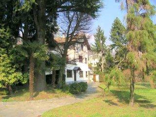 3 bedroom Villa in Meina, Lake Maggiore, Italy : ref 2259088