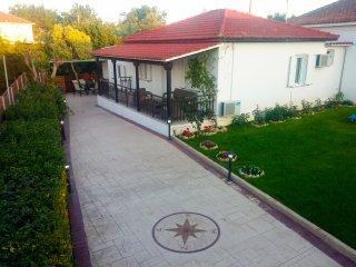 Villa Yakinthi, Kypseli