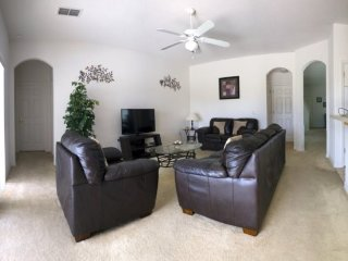 5 Bedroom 4 Bath Pool Home in Gated Community. 361BD, Davenport