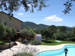 Riant modern vakantiehuis, Panicale