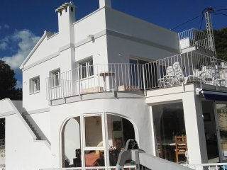 Casa Ceilo, Top floor apartment with Magnificent views to the sea