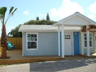 Brand new 1/1 in the heart of Port Aransas!