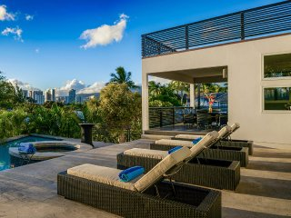 Gail Street Villa, Sleeps 10, Honolulu