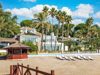 Villa del Mar, Sleeps 12