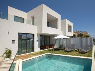 New VILLA S by S&K VILLAS - 150 metres from beach, Galatas
