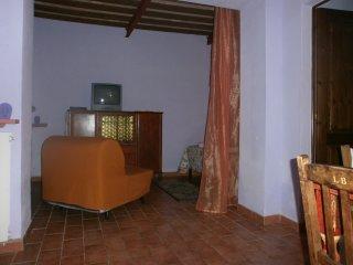 App.'Viola' in casale toscano con piscina, Castellina Marittima