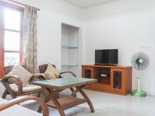 2 bedroom house walking distance to Bangtao beach