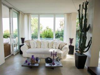 Private Luxury Design Villa with jacuzzi