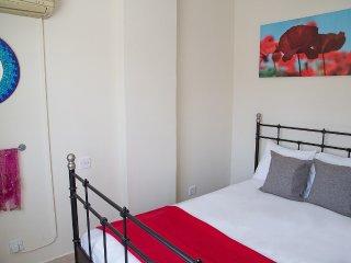 Paphos Love Nest Deluxe Apartment