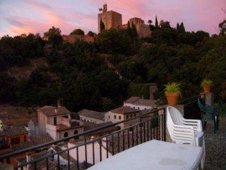 APARTAMENTO JUNTO A LA ALHAMBRA, Granada