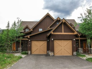 Golden Bar Townhome 59, Donnelly