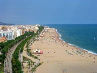 100 m de la playa!! Piscina comunitaria!!, Calella