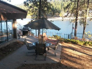 Drop Dead View, Gorgeous Villa, Fishing Mecca,WIFI, Hayden Lake