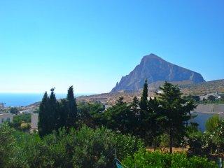 Casa 'Titta' con veduta monte cofano