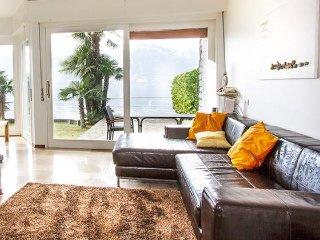 Moderna villa con 3 camere da letto in posizione straordinaria - 111, Porto Valtravaglia