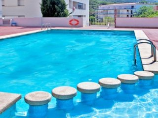 1484 Apartment with pool!, Llançà
